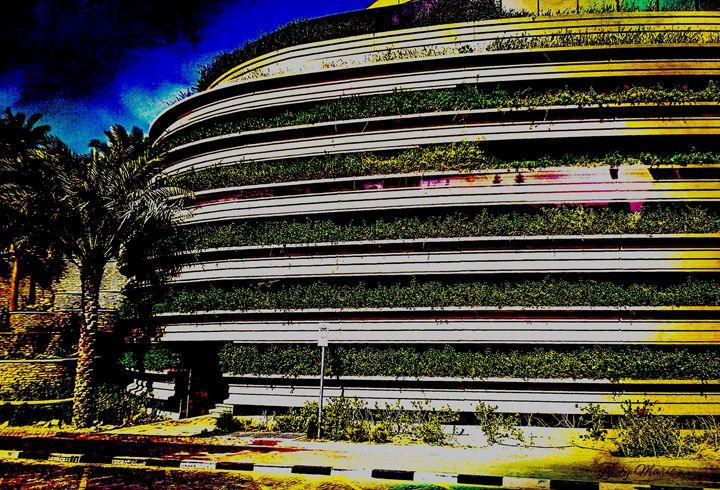DUBAI ARCHITECTURE - Lady Marie