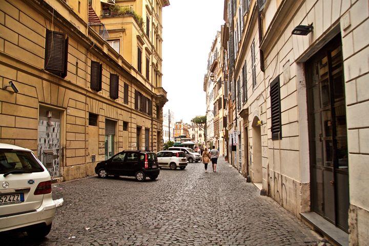 HIDDEN ARTWORK IN ROME - Lady Marie