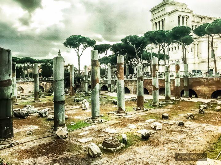 ROMAN ARTIFACTS - Lady Marie