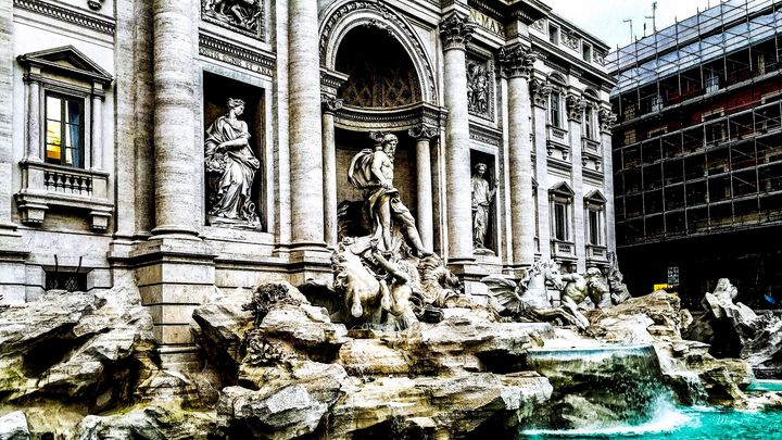 TREVI FOUNTAIN ROME - Lady Marie