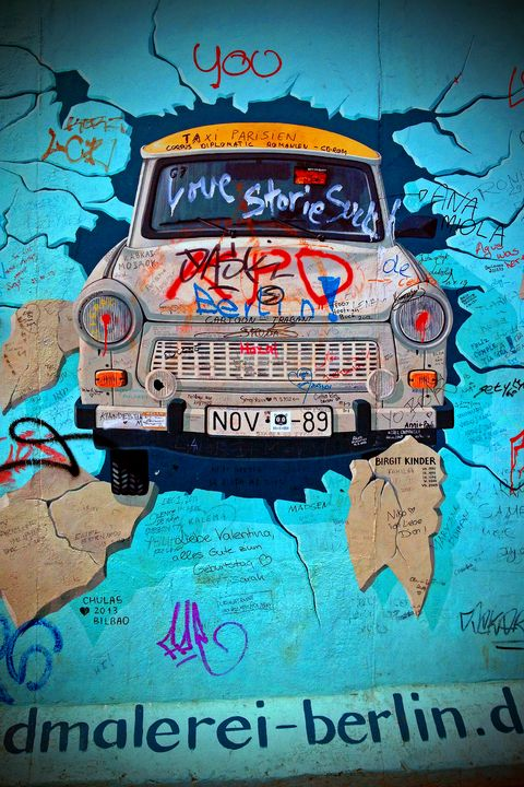 Artwork Street Art Berlin Wall - Andy Evans Photos