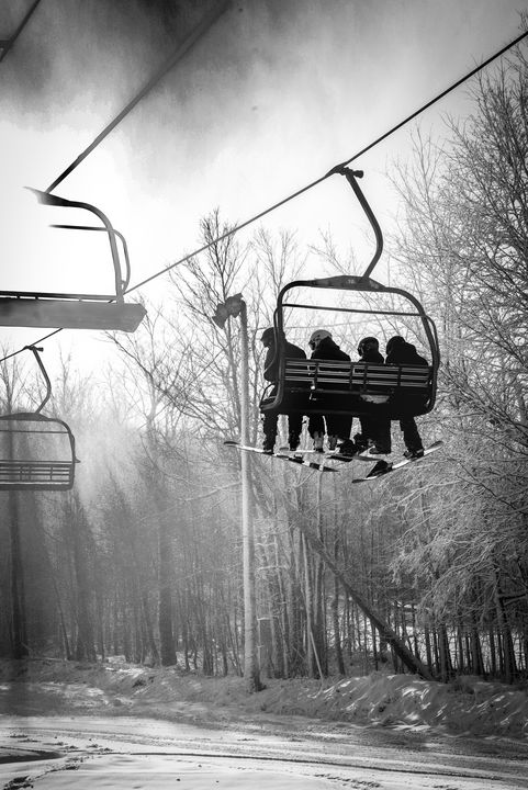 Against day of a ski lift - Francois Lariviere