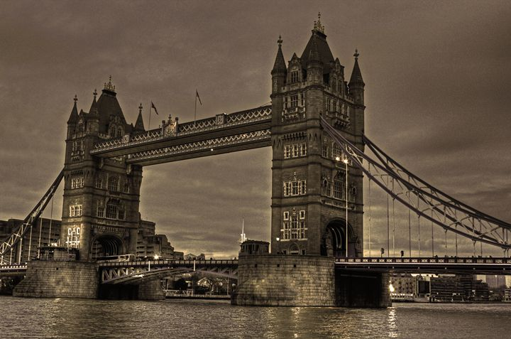 Tower Bridge - DSLR Creations