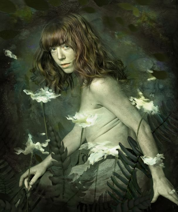Portrait with white flowers - Madink art