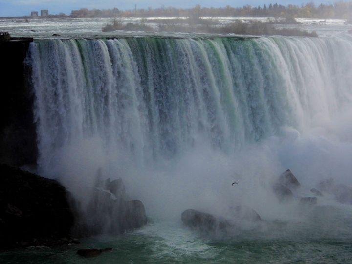 The Mighty Niagara - Clinton Michael