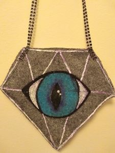 Diamond eye purse