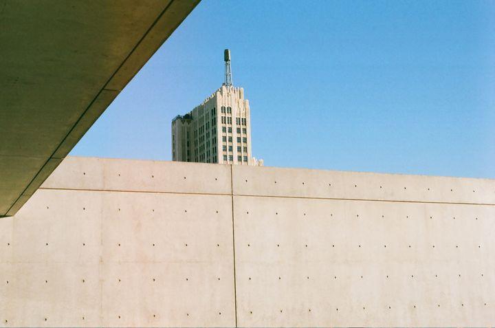 1027 - Iris Angeles