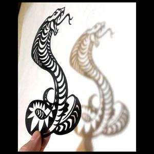 King Cobra | Papercut