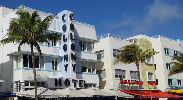 Ocean Drive walk. - South Beach, Miami Art