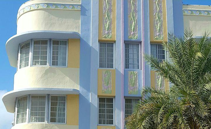 Art Deco Explicate - South Beach, Miami Art