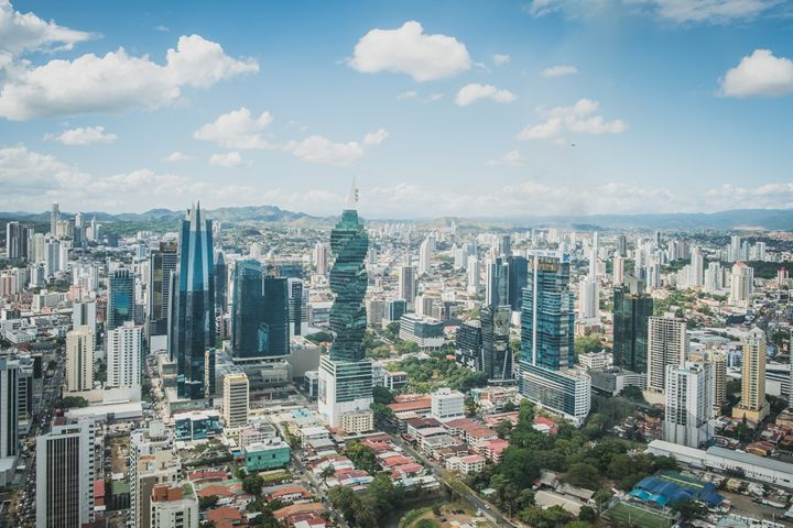 Modern skyline aerial of Panama City - hanoh iki