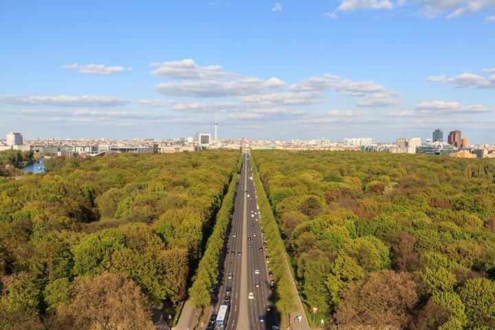 city skyline, Berlin, Germany - hanoh iki