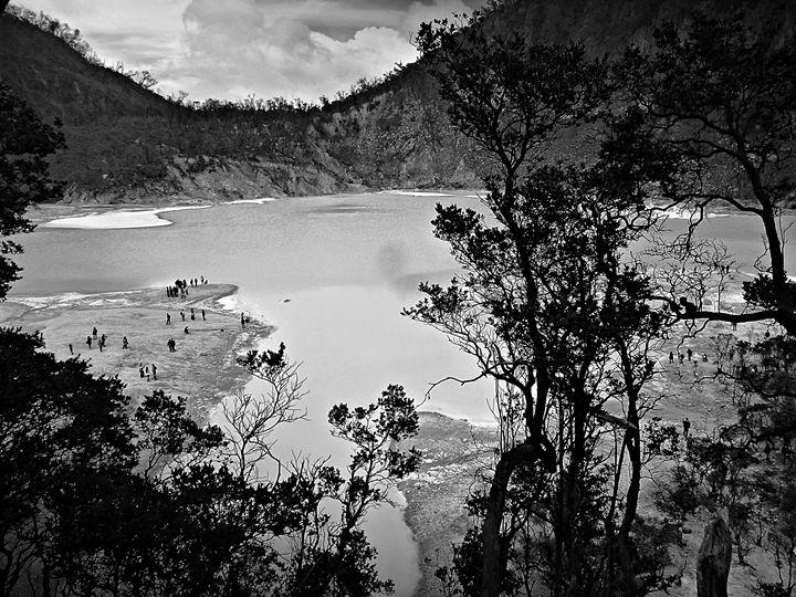 beautiful scene from crater Kawah Pu - tupaiterbang
