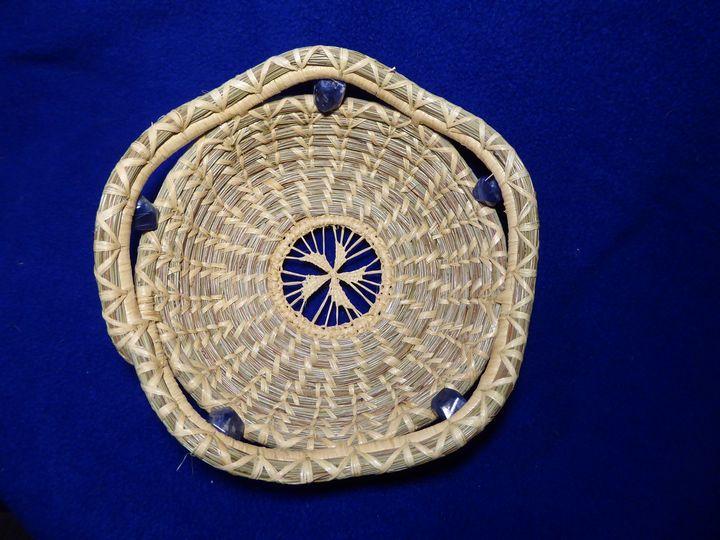 Pinwheel soda light beauty - Big Pine Needle Baskets