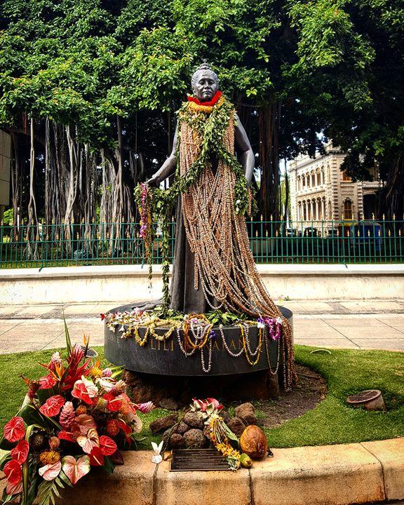 The Last Queen of Hawai'i - Donovan Morgan