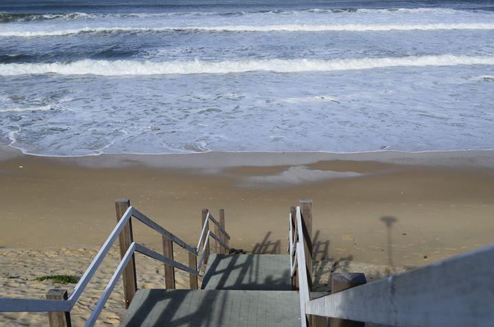 Staircase to the ocean - kotrynajuskaite
