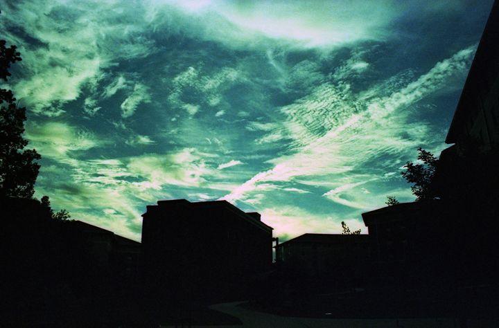 Teal sky - Shot On Film