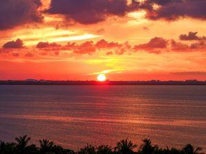 Sun's Eyebrow at sunset