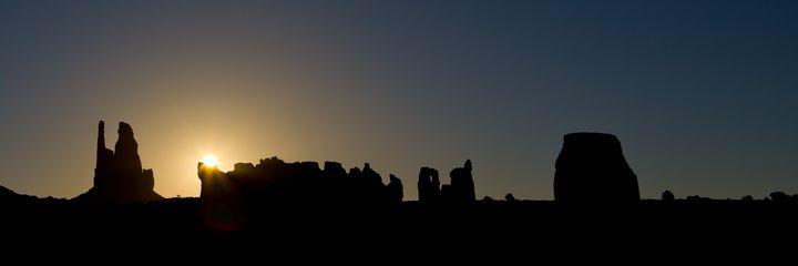 Navajo Sunrise - Tuttle Arts