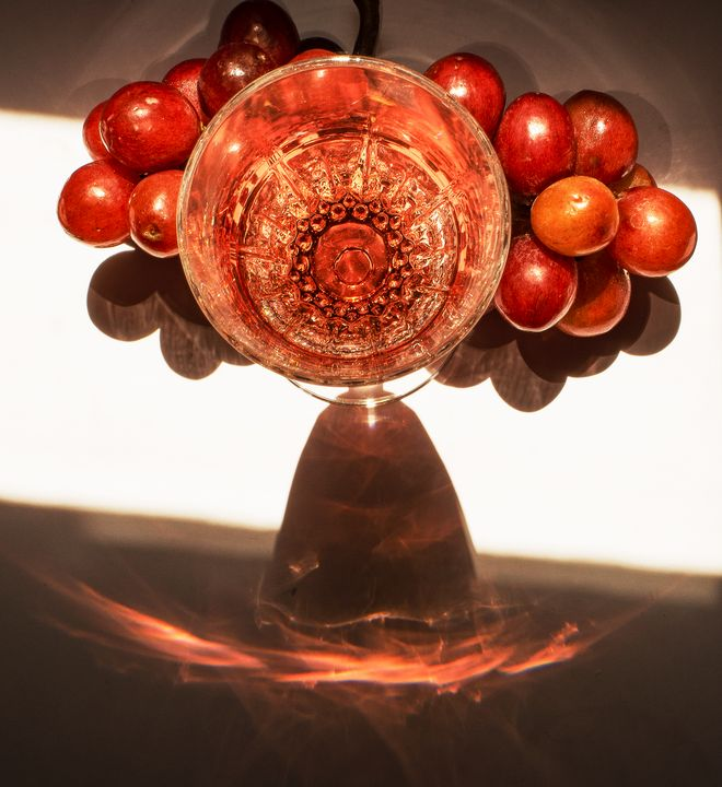 Wine glass, Grapes and Reflection - helen geld