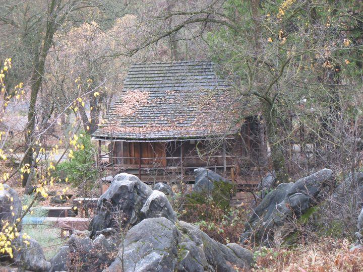 Country Columbia Cabin - Michael Dorsett