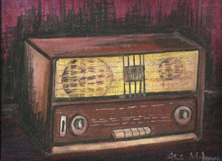 OLD TRANSISTOR RADIO - alitvfilm