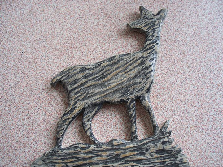 Wood Carved Deer - Kenneth's Art Gallery