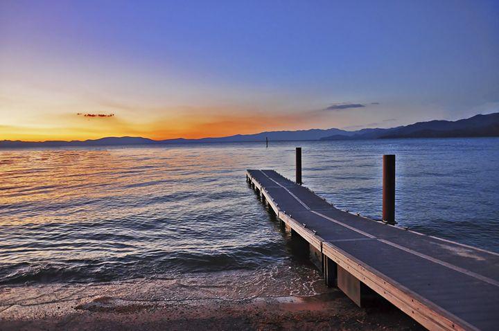 A bridge to the horizon - Capturing Life
