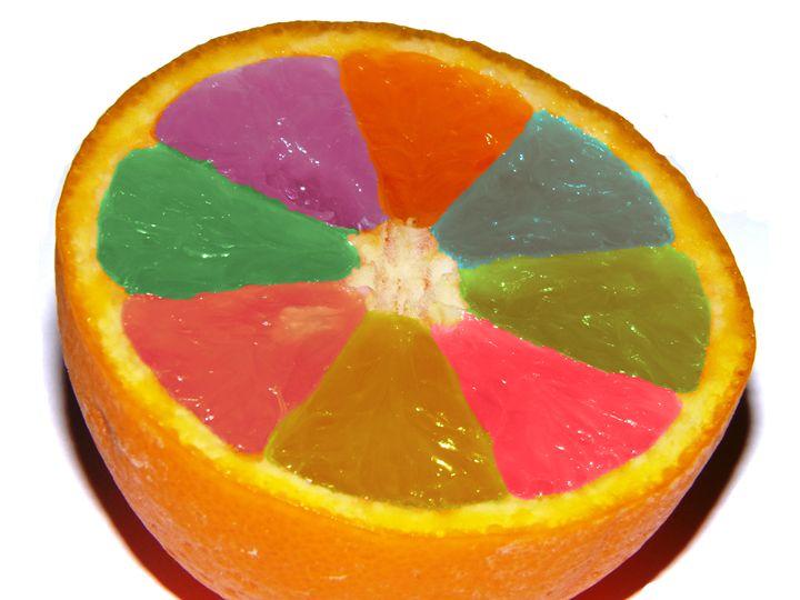 Colored orange - Alberto Elorduy