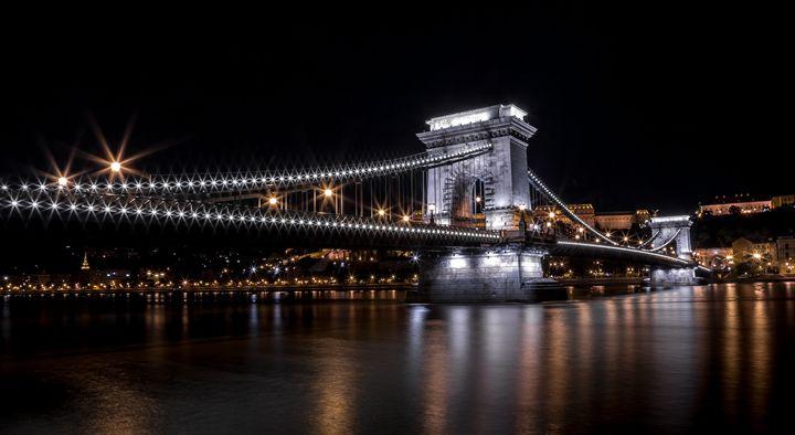 Chain Bridge - Martin Velebil