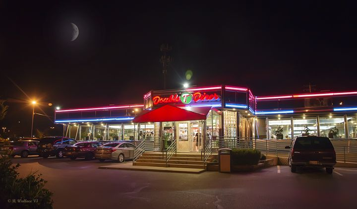 Double T Diner At Night - Brian Wallace