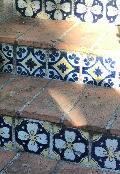 Spanish Tile - Lease Design