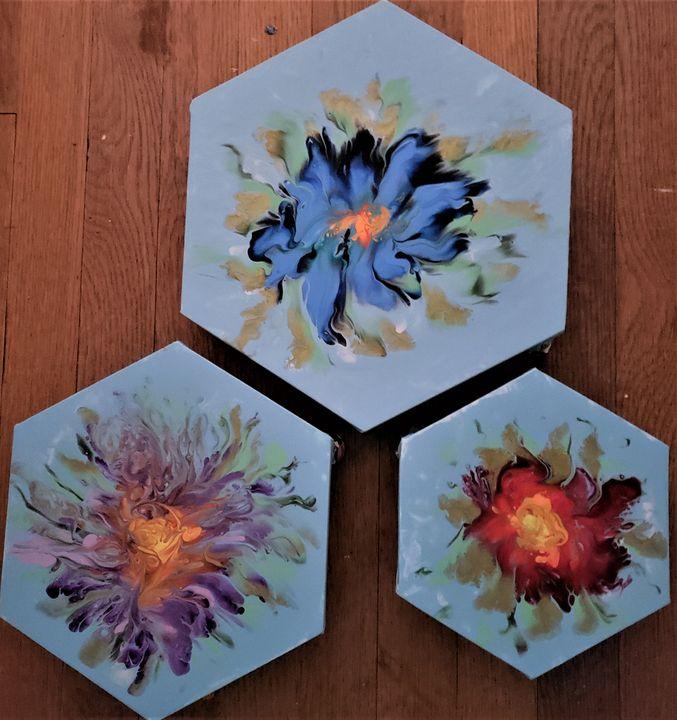 Three Flowers - The Pour Ladies
