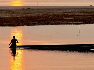 The Fisherman at Sunset - Ian Kydd Miller