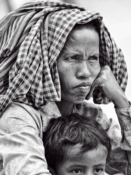 Woman in Krama (Monochrome) - Ian Kydd Miller