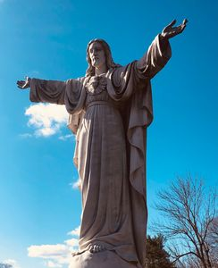 Jesus Christ is Lord of All Statue