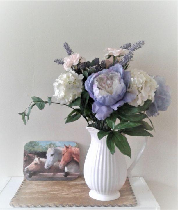 Farmhouse Chic Flowers - MyAllJoy