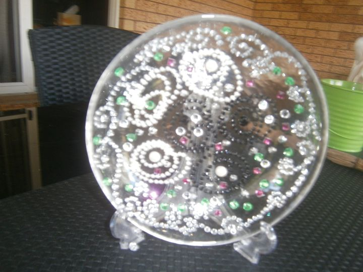 Hand made Plate with Pearls. - kim's gallery