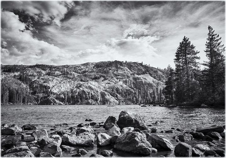 Mountain lake - Edward Maesen