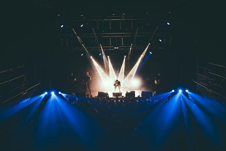 24/09 Yekaterinburg, Tele-Club - Lucas Englund