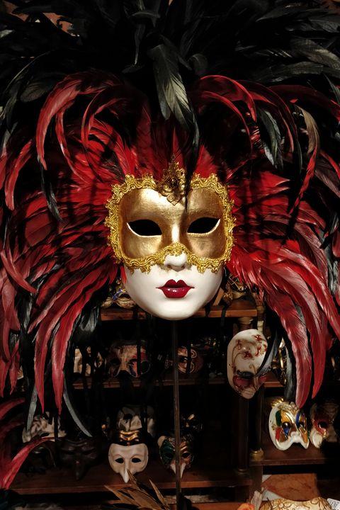 Venetian feathered mask - Tony Walling Creative Arts