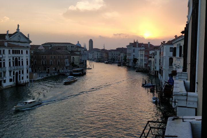 Spring sunset in Venice - Tony Walling Creative Arts