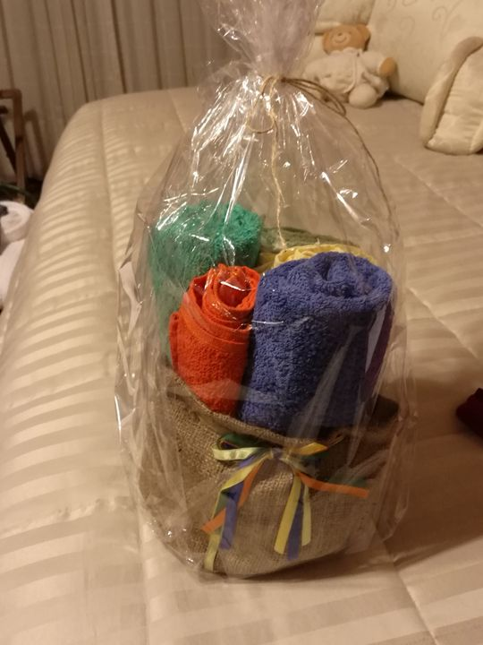 5 toallas de regalo - Hobby Mbarete