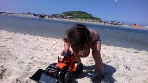 CHILD IN BEACH