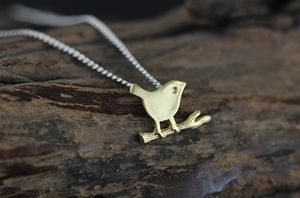 Necklace litter bird