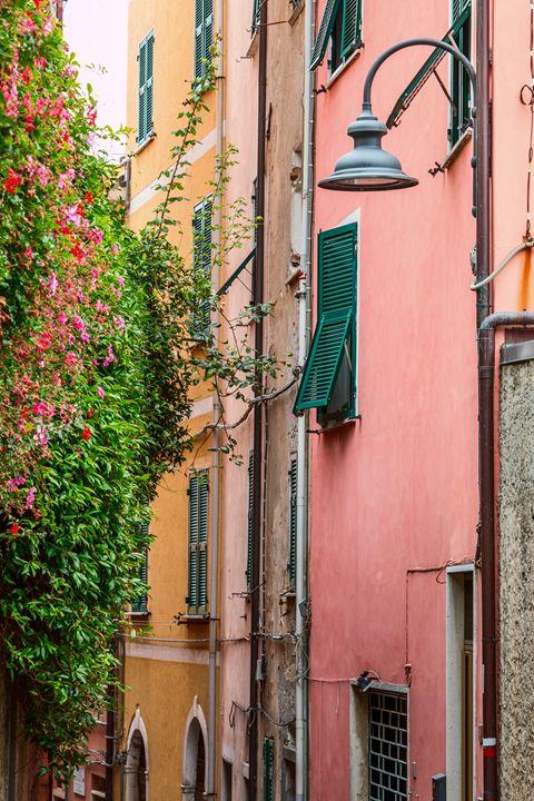 Italian street. - Photo