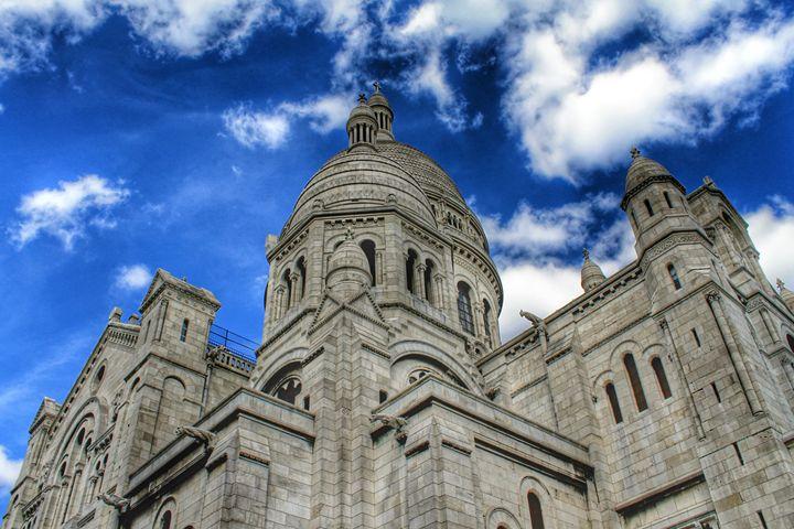 Blue Sky Building - Millamuis