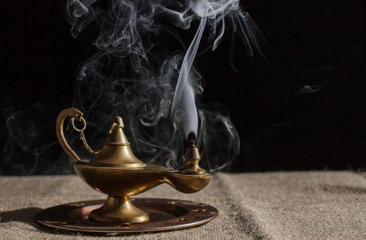 aladdin's magic lamp smokes - Radomir