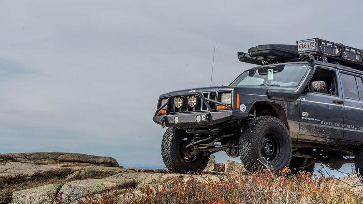 Jeep on Cadillac Mountain - Max Ablicki - Adventure Photography