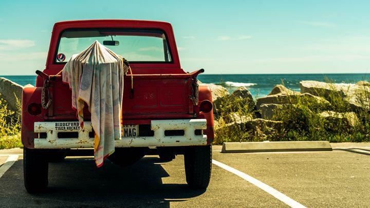 Surf Jeep - Max Ablicki - Adventure Photography